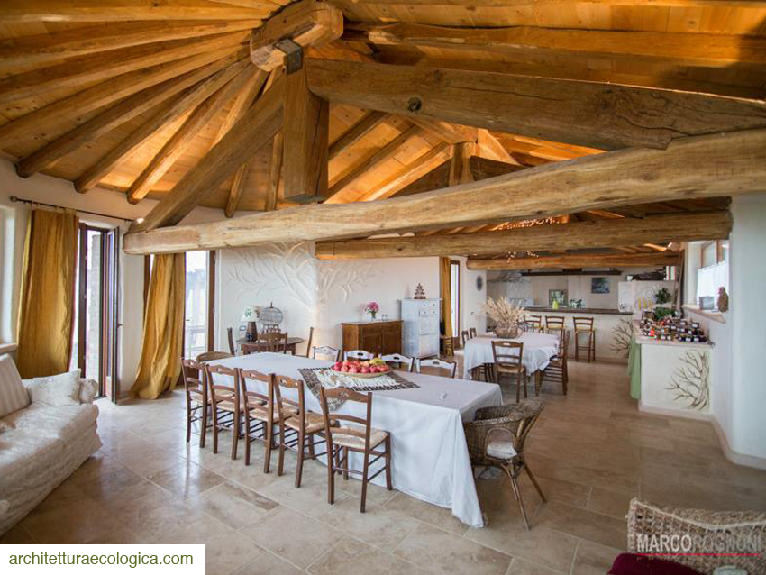 Casa di paglia a fortunago esempio della provincia di pavia - Costruire una casa in paglia ...